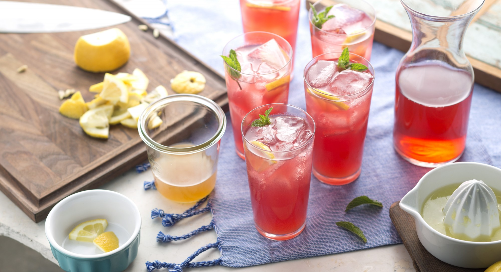 Poolside-Summer-Mocktail-Hibiscus-Ginger-Arnold-Palmer